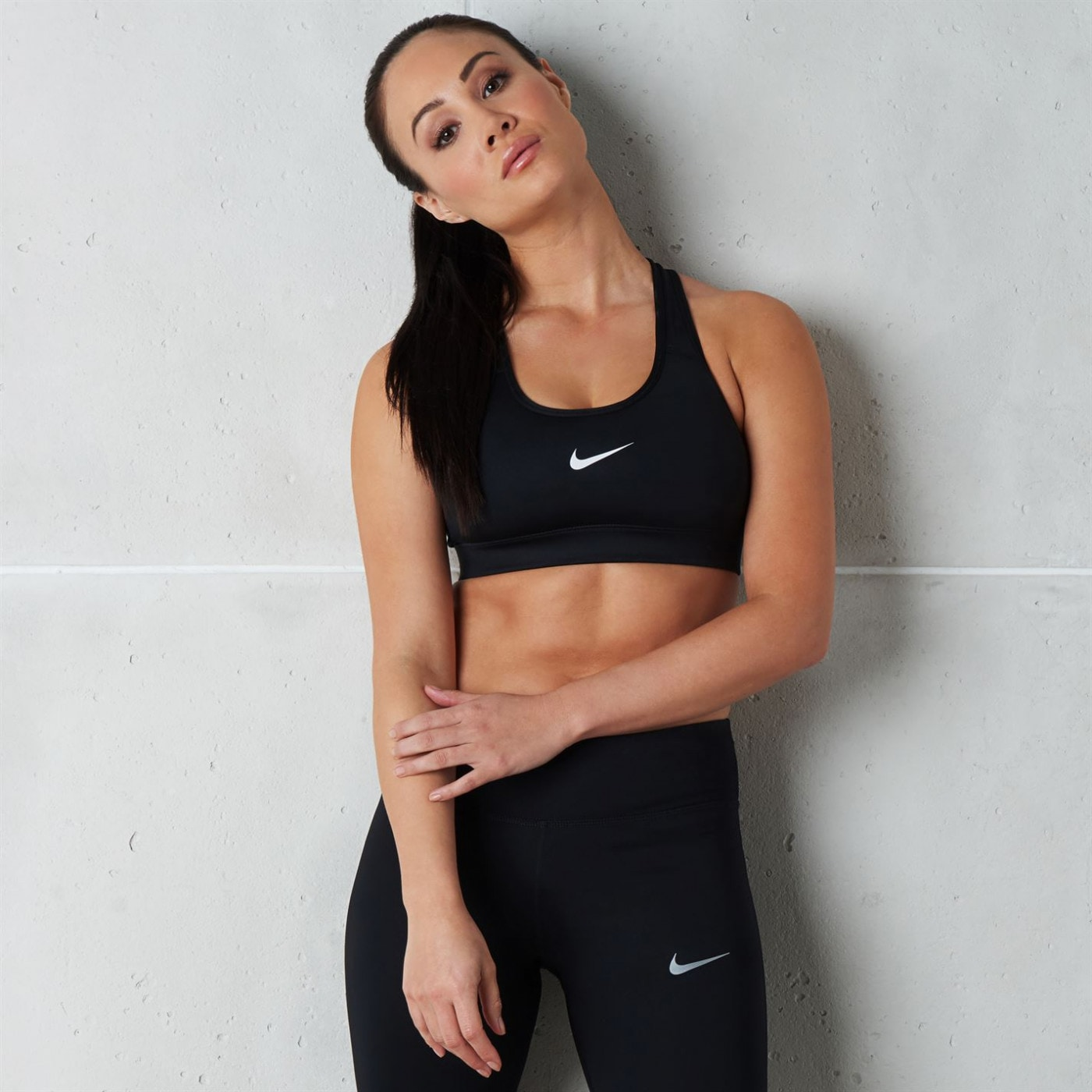 Nike Swoosh Medium-support Sports Bra Ladies