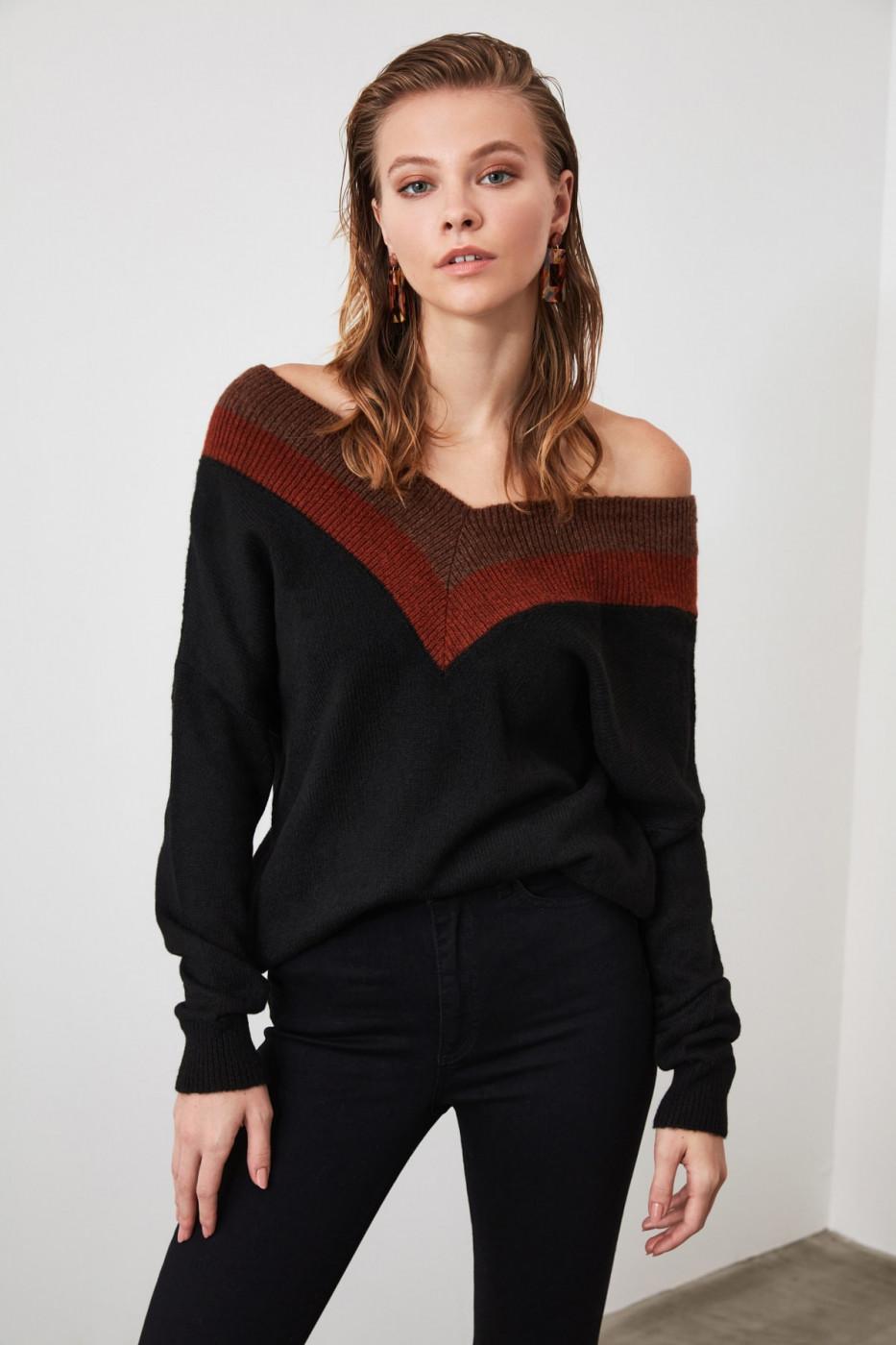 Trendyol Black V Collar Knit Sweater
