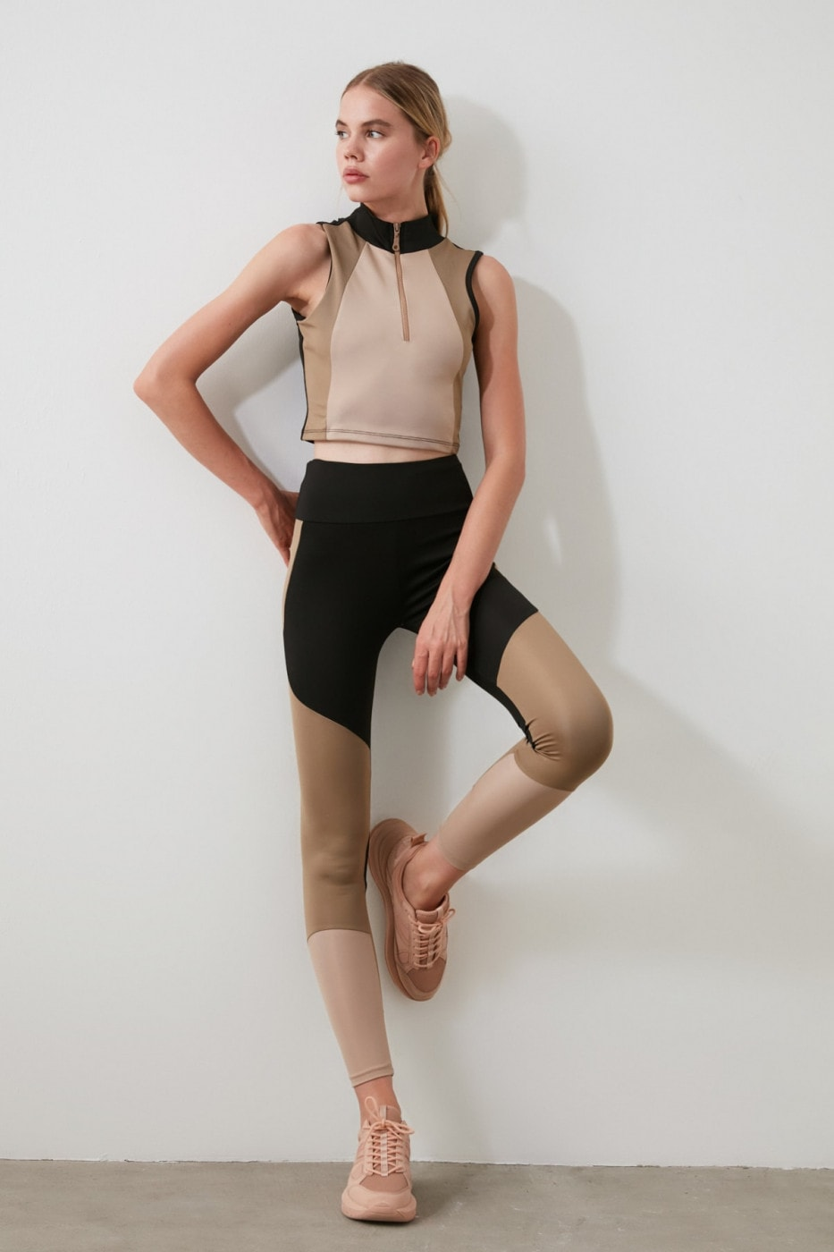 Trendyol Sports Tights with Brown Block