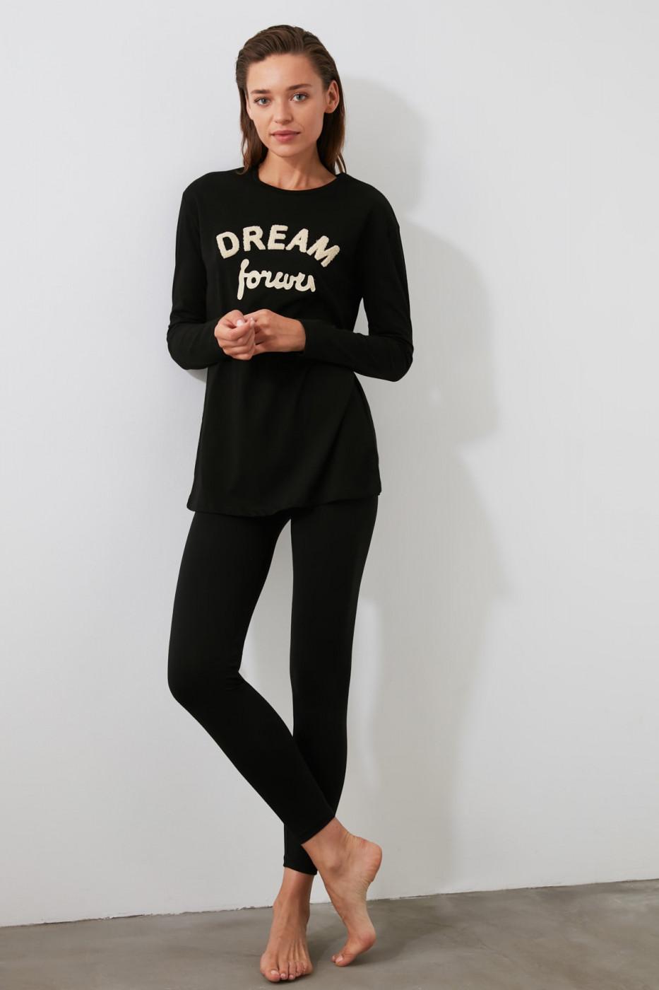 Trendyol Knitted Pyjamas Kit with Black Slogan