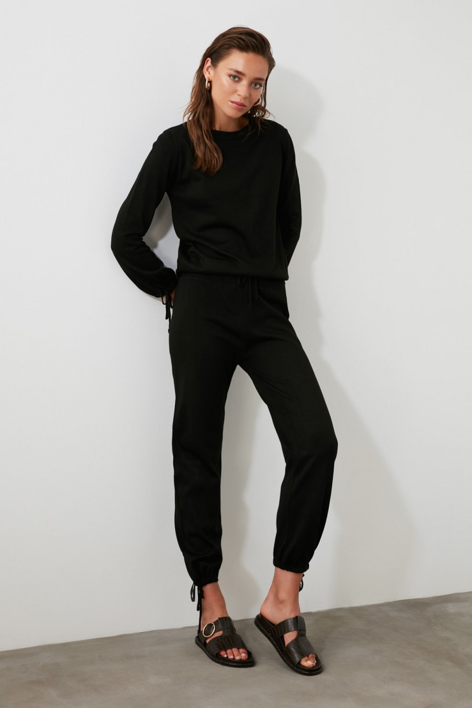 Trendyol Black Sweater Pants Tie Detailed Knitwear Bottom-Top Suit