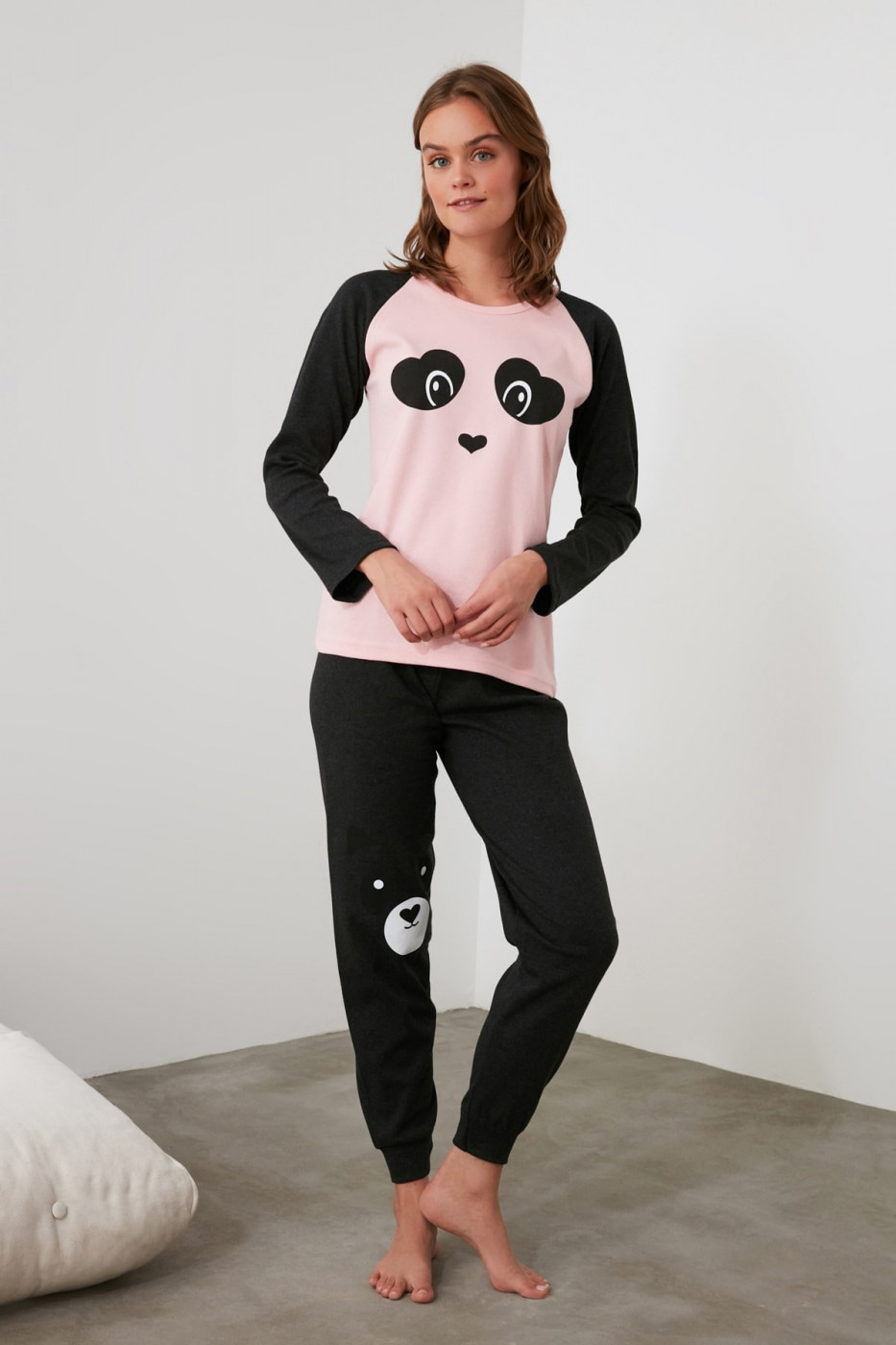 Trendyol Pink Embroidered Knitted Pajama Set