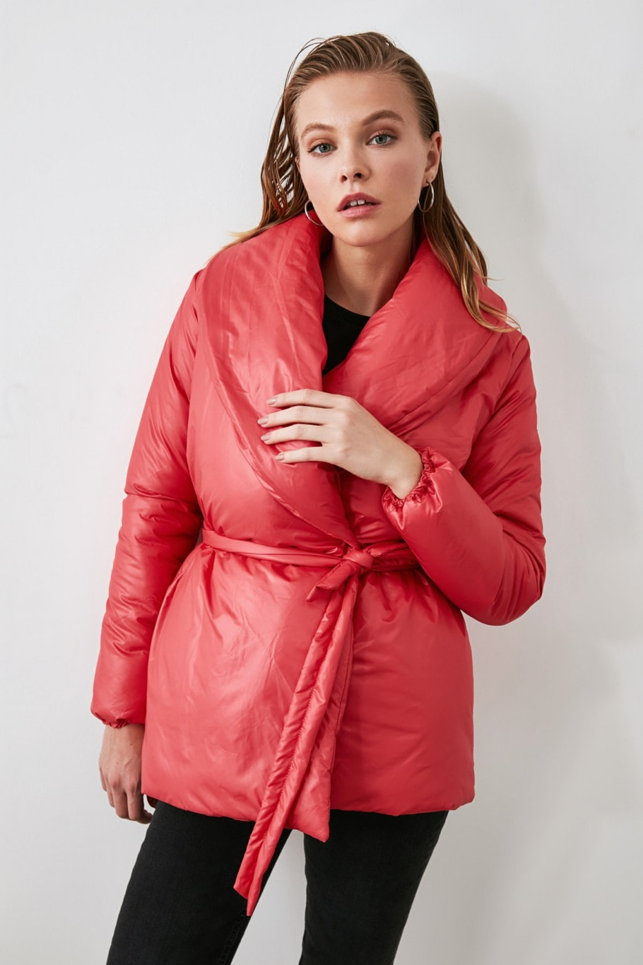 Trendyol Inflatable Coat With Pink Wide Collar Belt