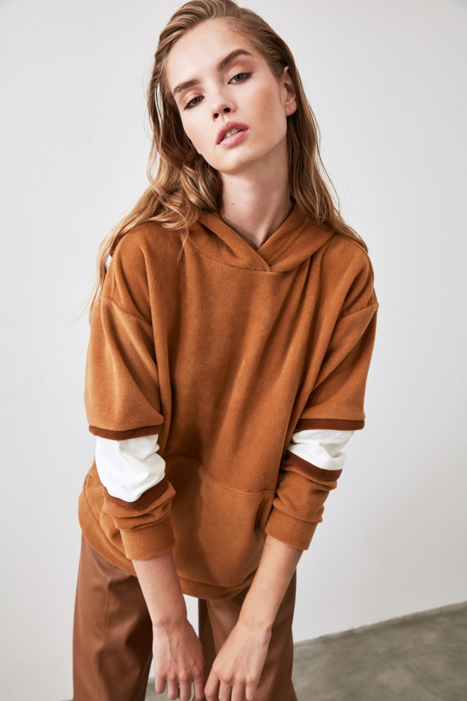 Trendyol Camel Embroidered and Hooded Basic Knitted Sweatshirt
