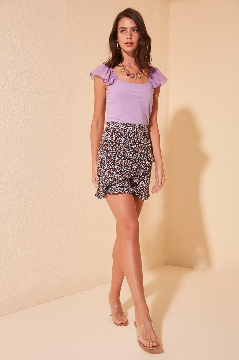 Trendyol Black Floral Patterned Shorts & Bermuda