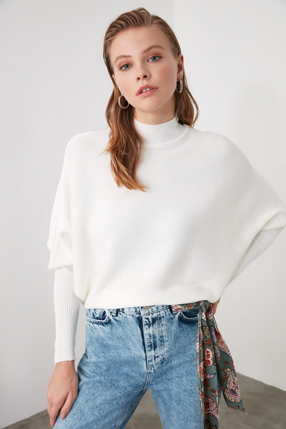 Trendyol White Bat Sleeve Knit Sweater