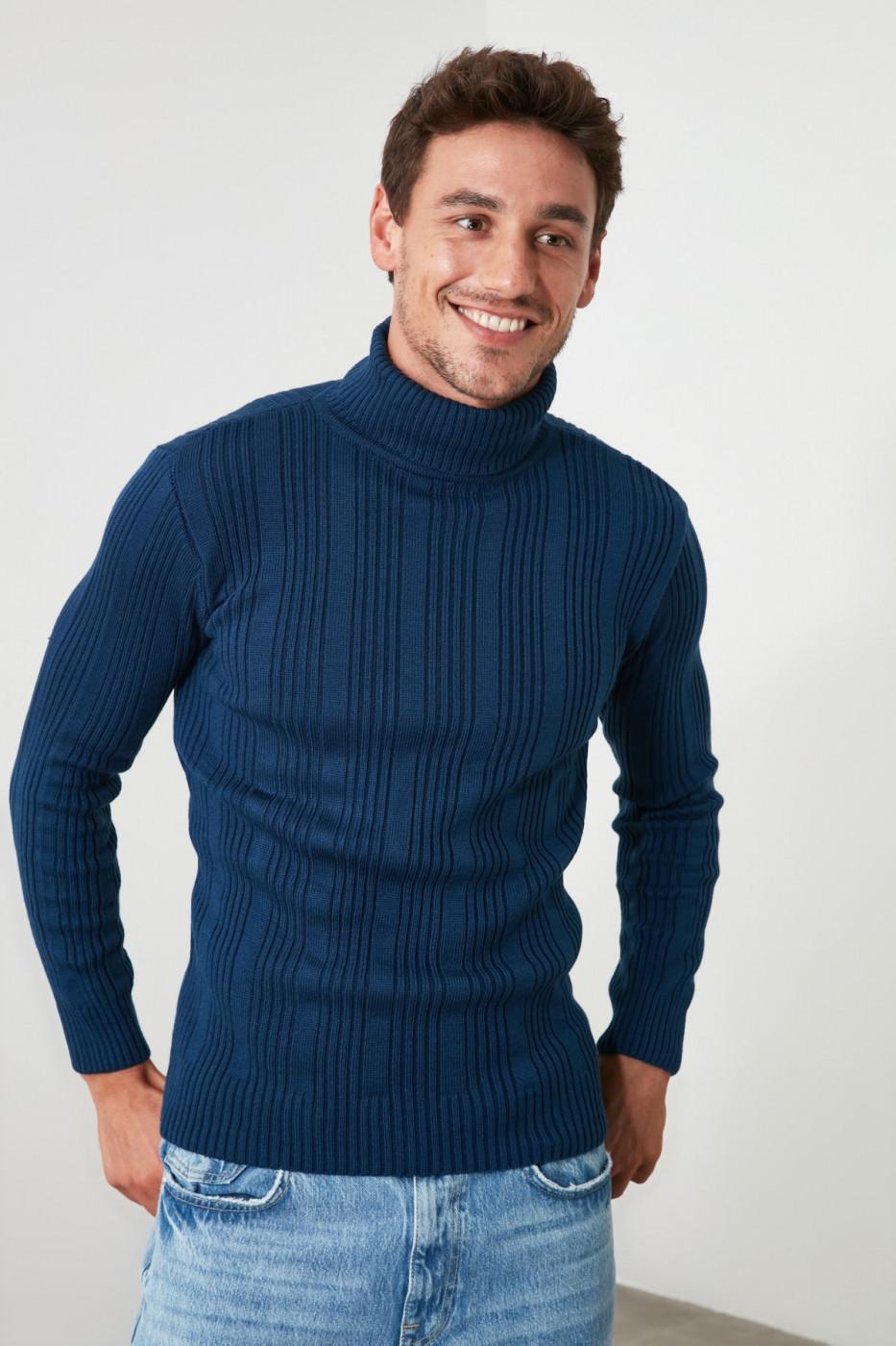 Trendyol Oil Male Turtleneck Textured Knitwear Sweater