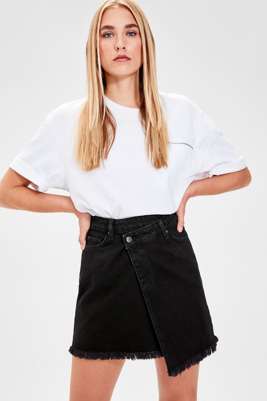 Trendyol Black Asymmetric Denim Skirt