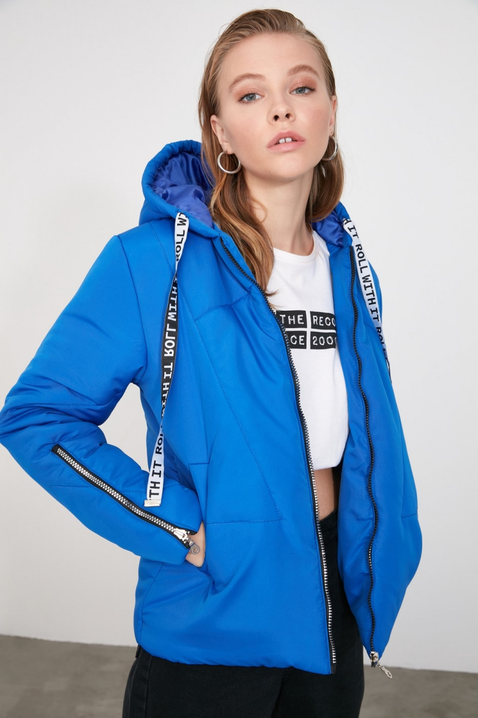 Trendyol Saks Hooded Zipper and Slogan Detailed Mont