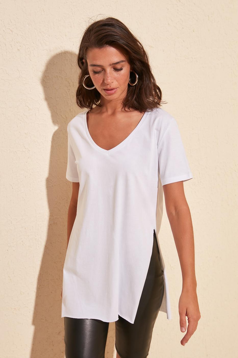 Ženska majica Trendyol V Collar Asymmetric
