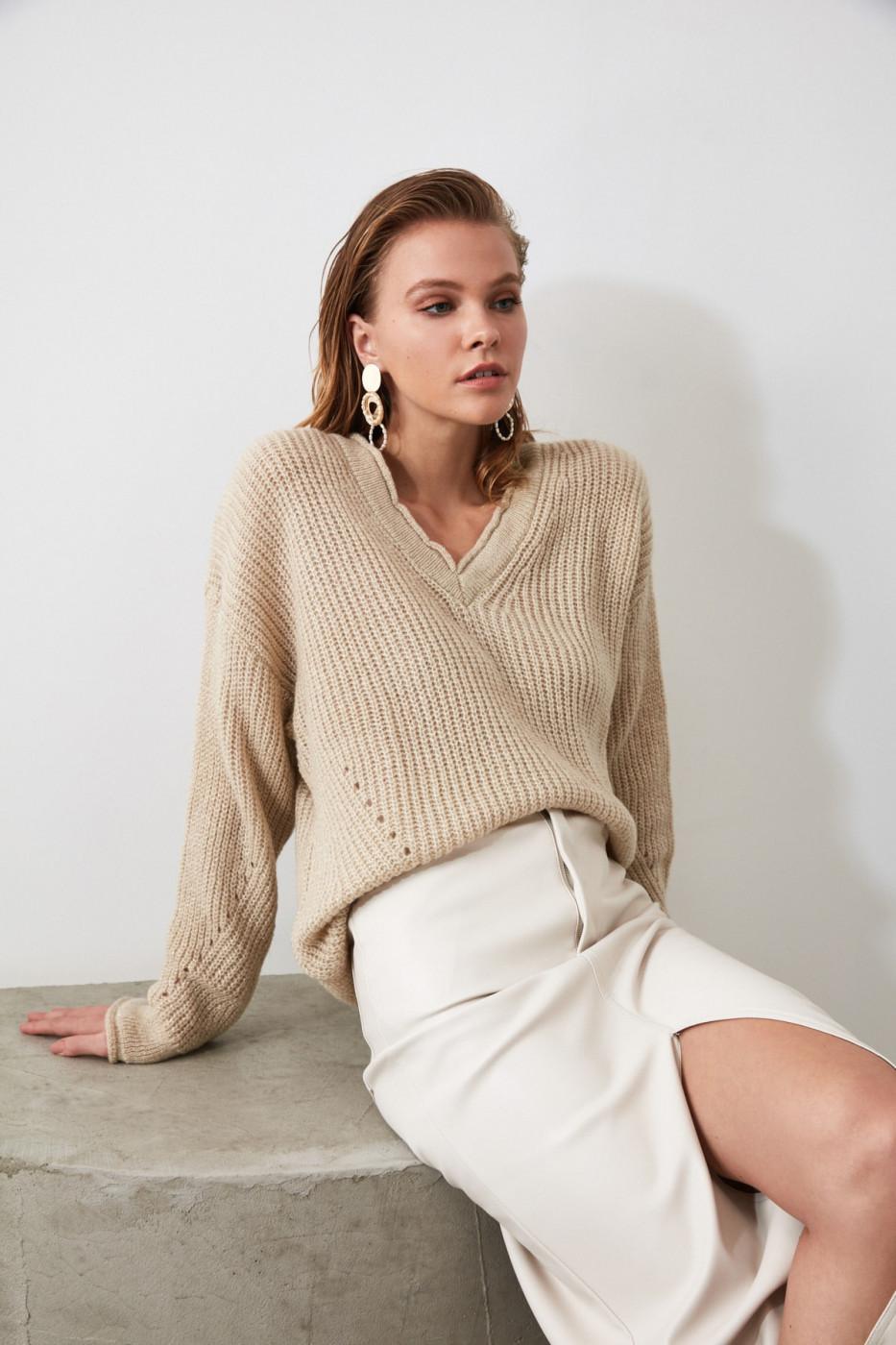 Trendyol Stone V Collar Knit Sweater