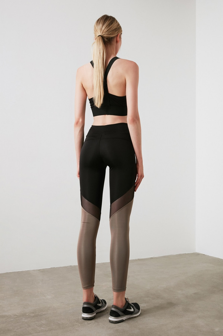 Trendyol Black Color Block and Tulle Detailed Sports Tights
