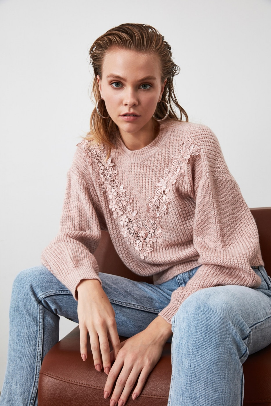 Trendyol Powder Appliqué Knit Sweater