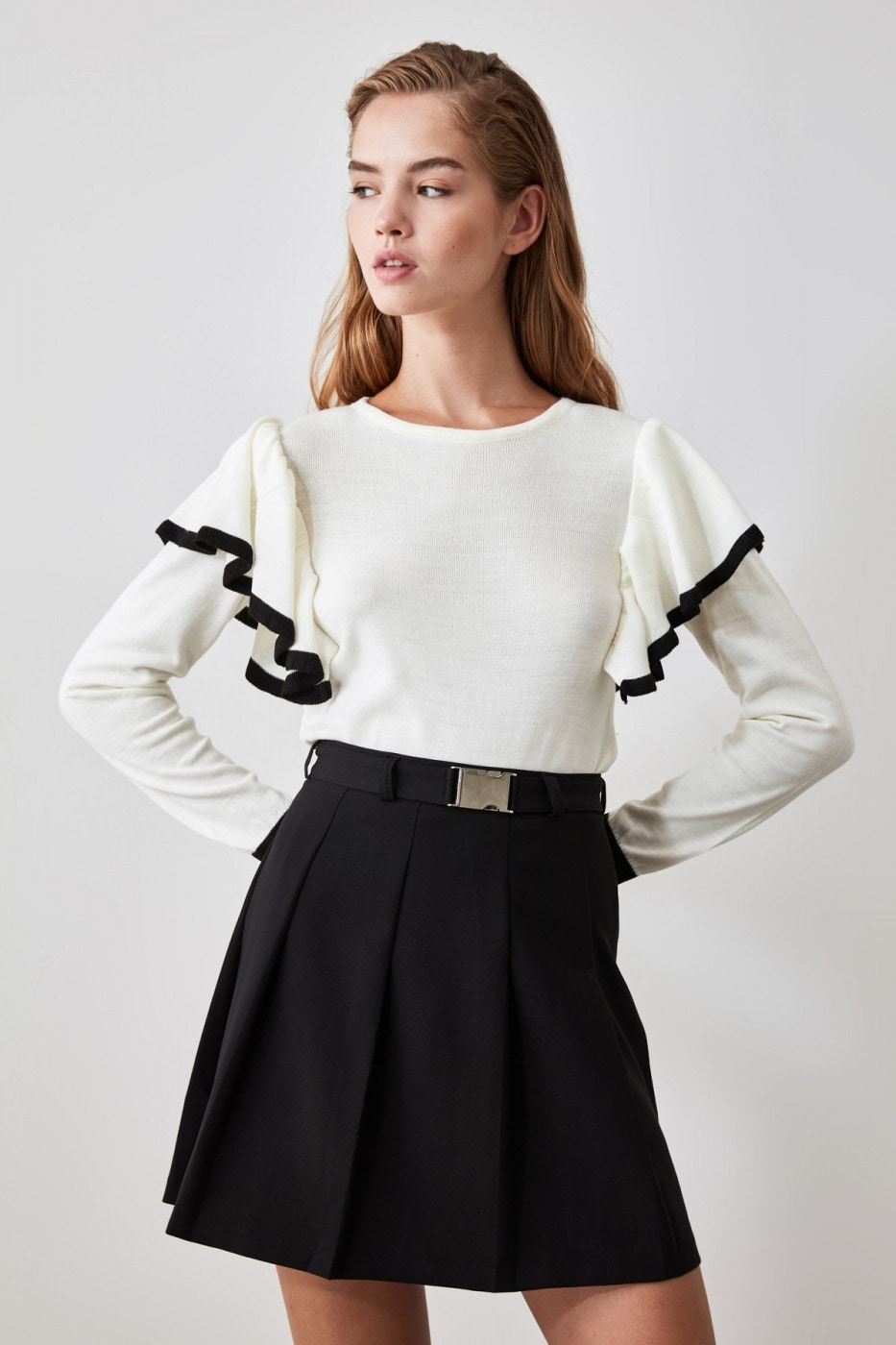 Trendyol Ekru Flywheel Detailed Knitwear Sweater