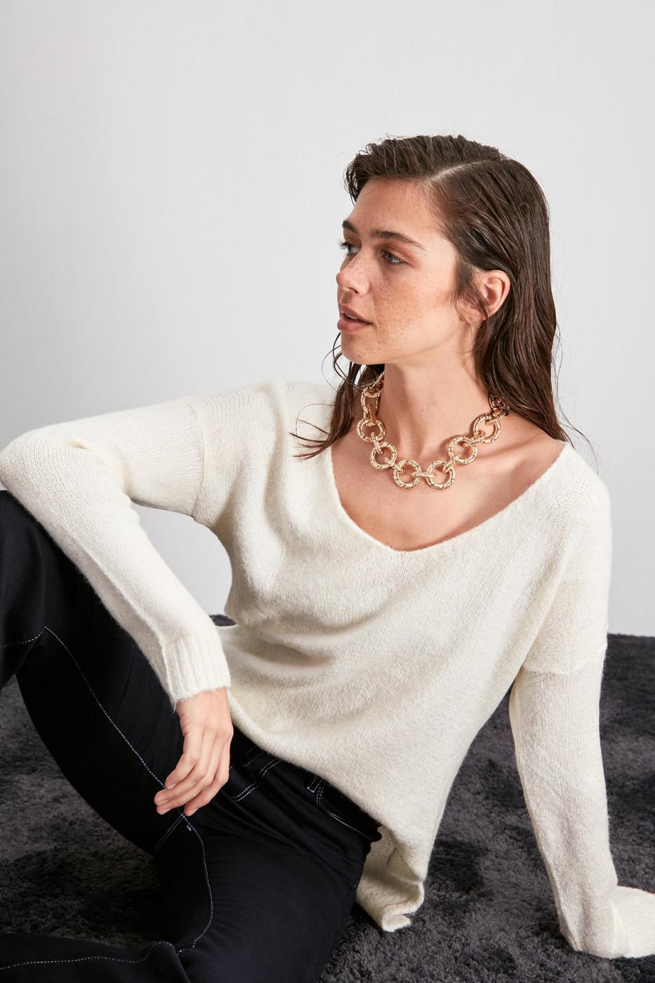 Trendyol Ekru V Collar Knitwear Sweater