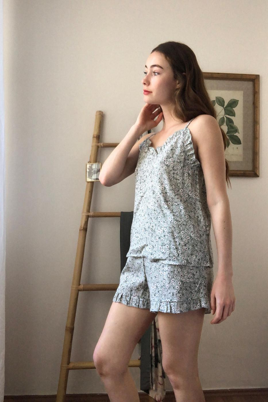 Trendyol Multi-Color Crispy Floral Patterned Strappy Pyjamas Set