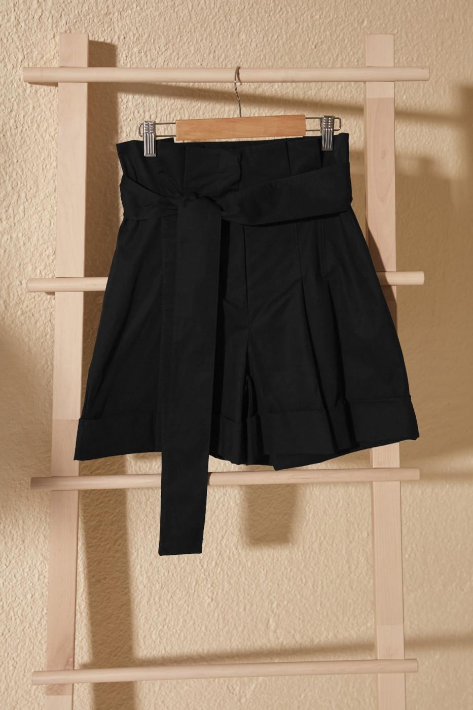 Women's shorts Trendyol Bermuda