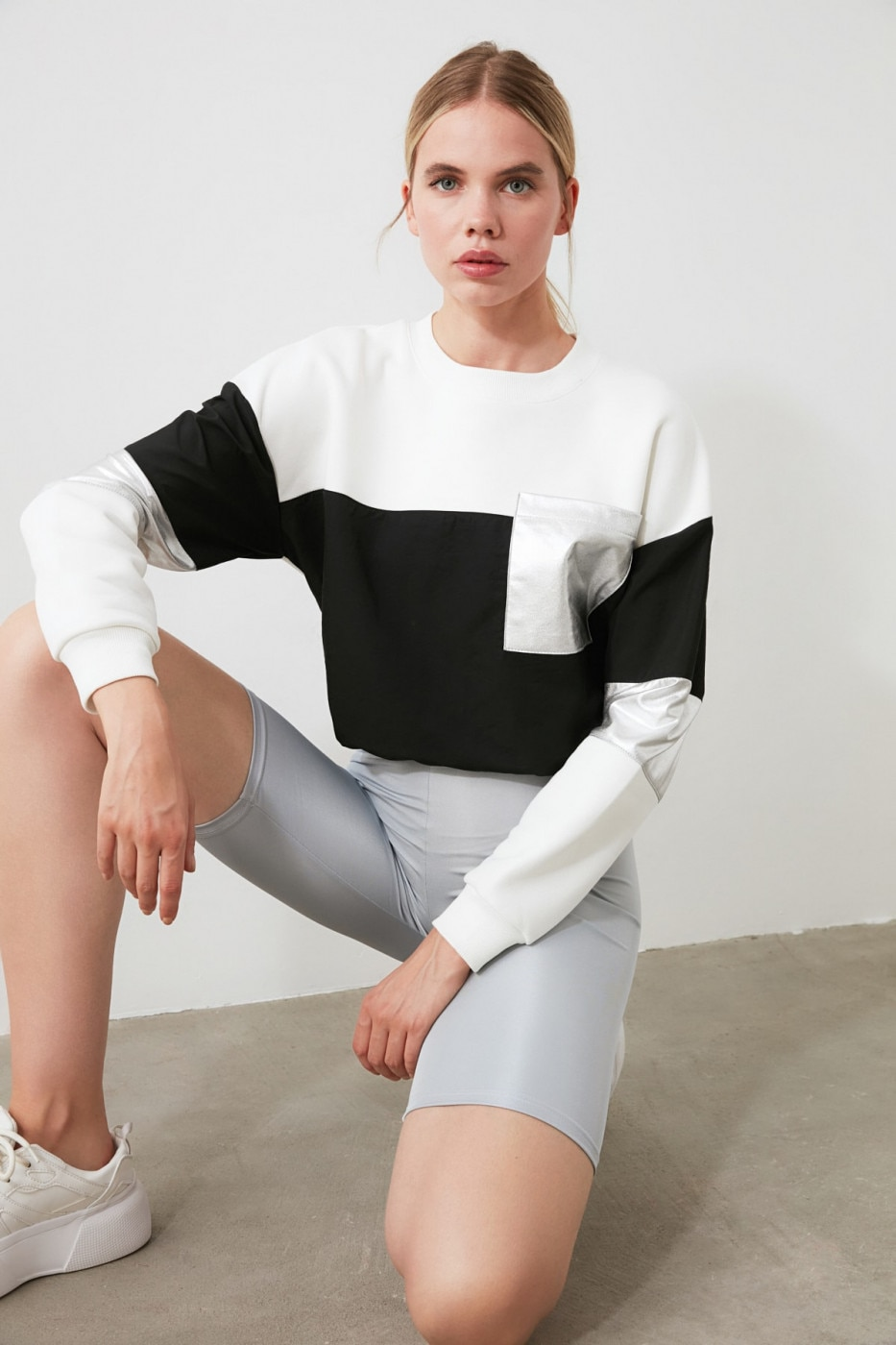 Trendyol Ekru Bright Fabric Detailed Sports Sweatshirt