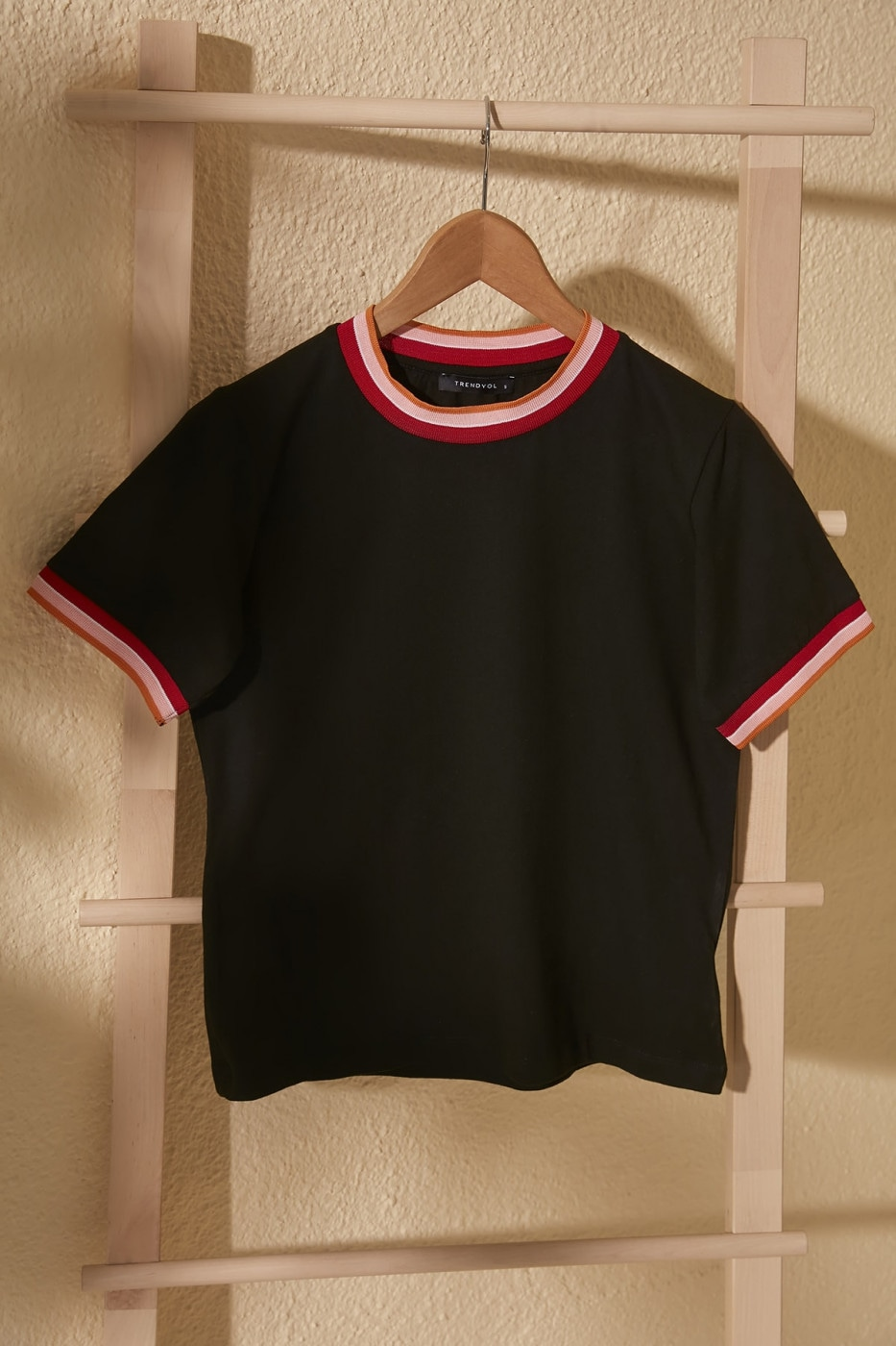 Trendyol Black Ribana Detailed Crop Knitted T-Shirt
