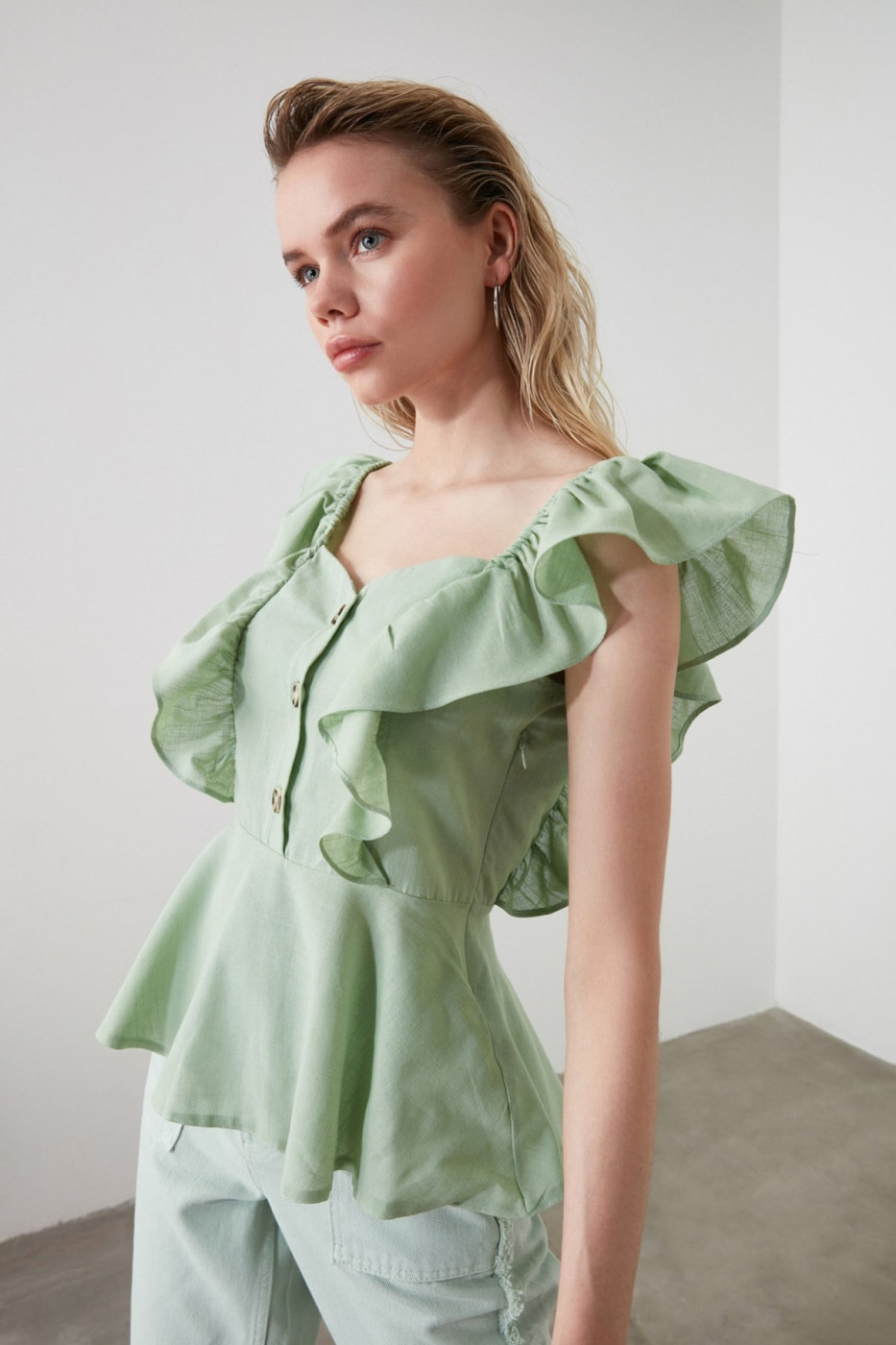 Trendyol Mint Button Detailed Blouse