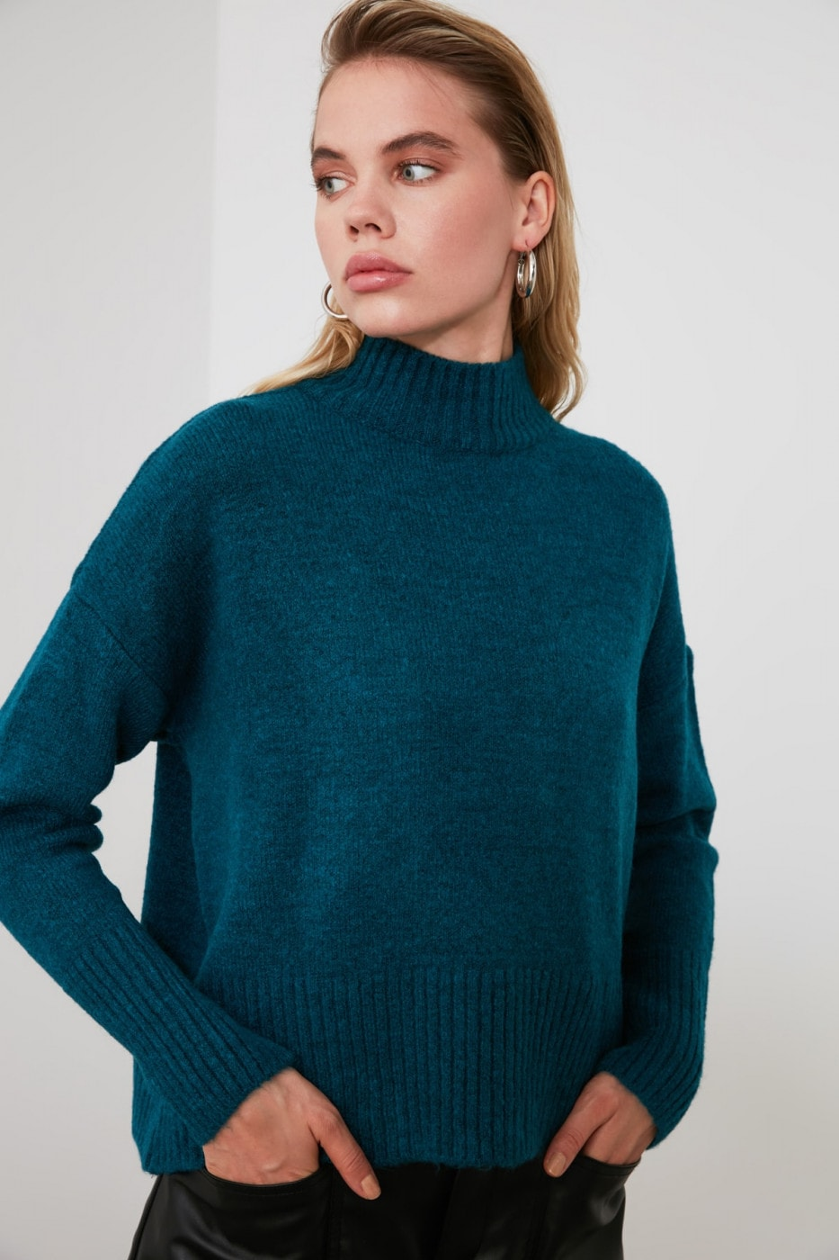 Trendyol Oil Upright Collar KnitSweater