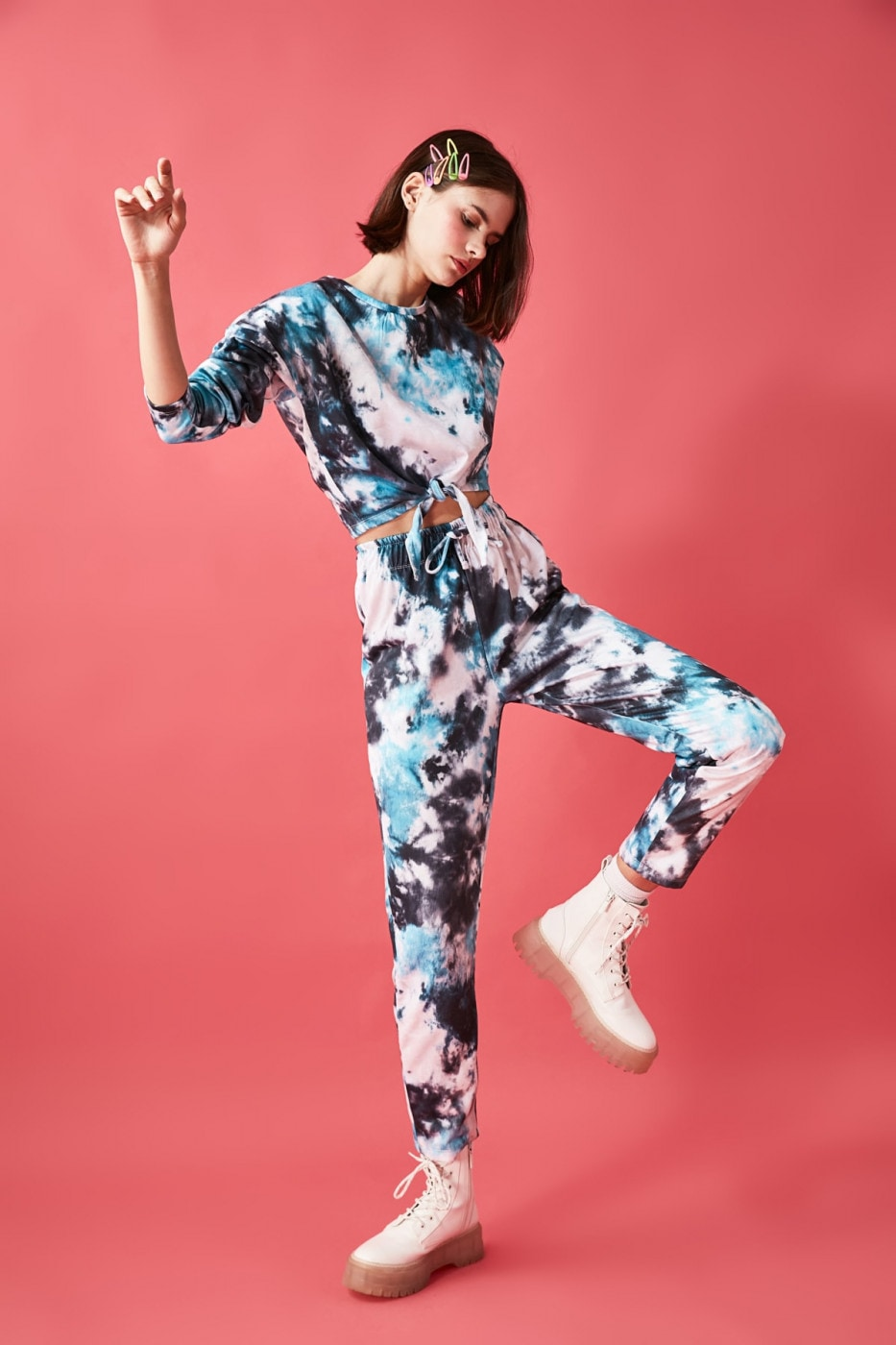 Trendyol Oil Batik Printed Knitted Tracksuit Set