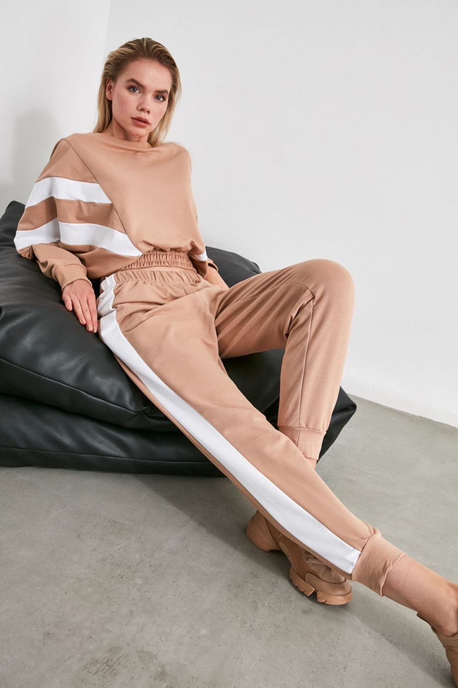 Trendyol Camel Color Block Knitted Tracksuit