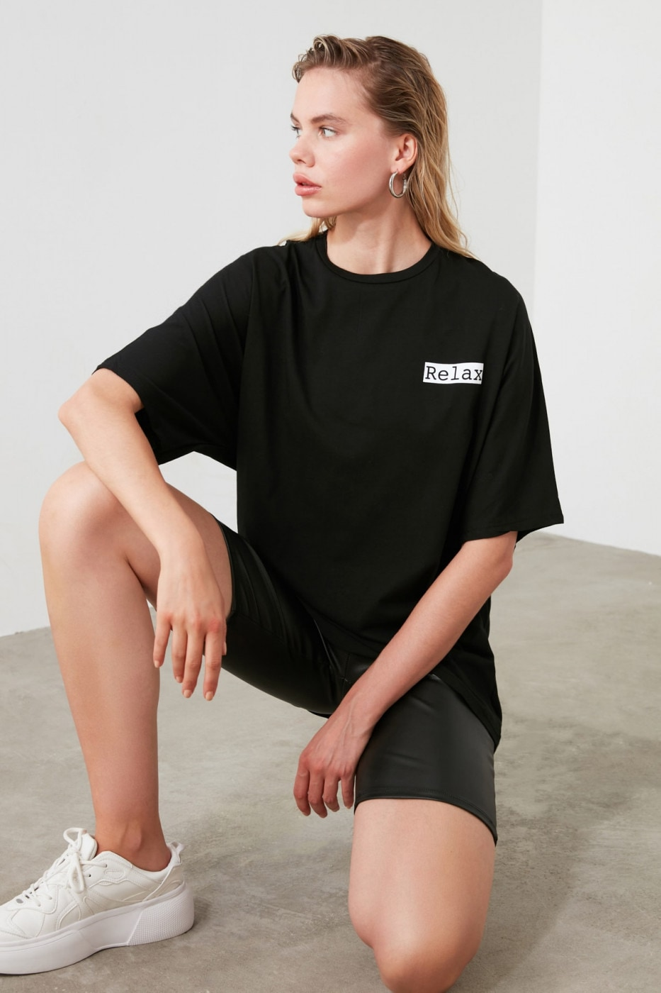 Trendyol Black Front and Back Printed Oversize Knitted T-Shirt