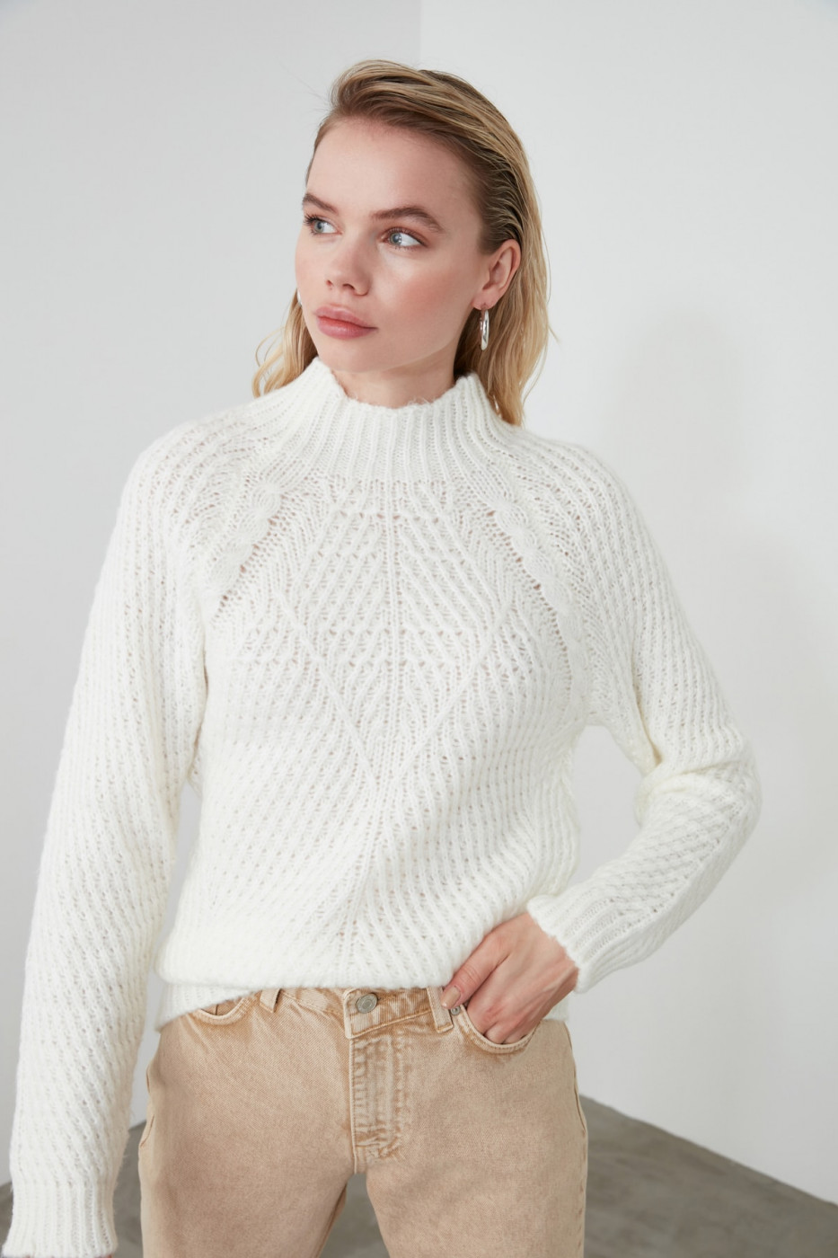 Trendyol Ekru Dik Collar Knitting Detailed Knitwear Sweater