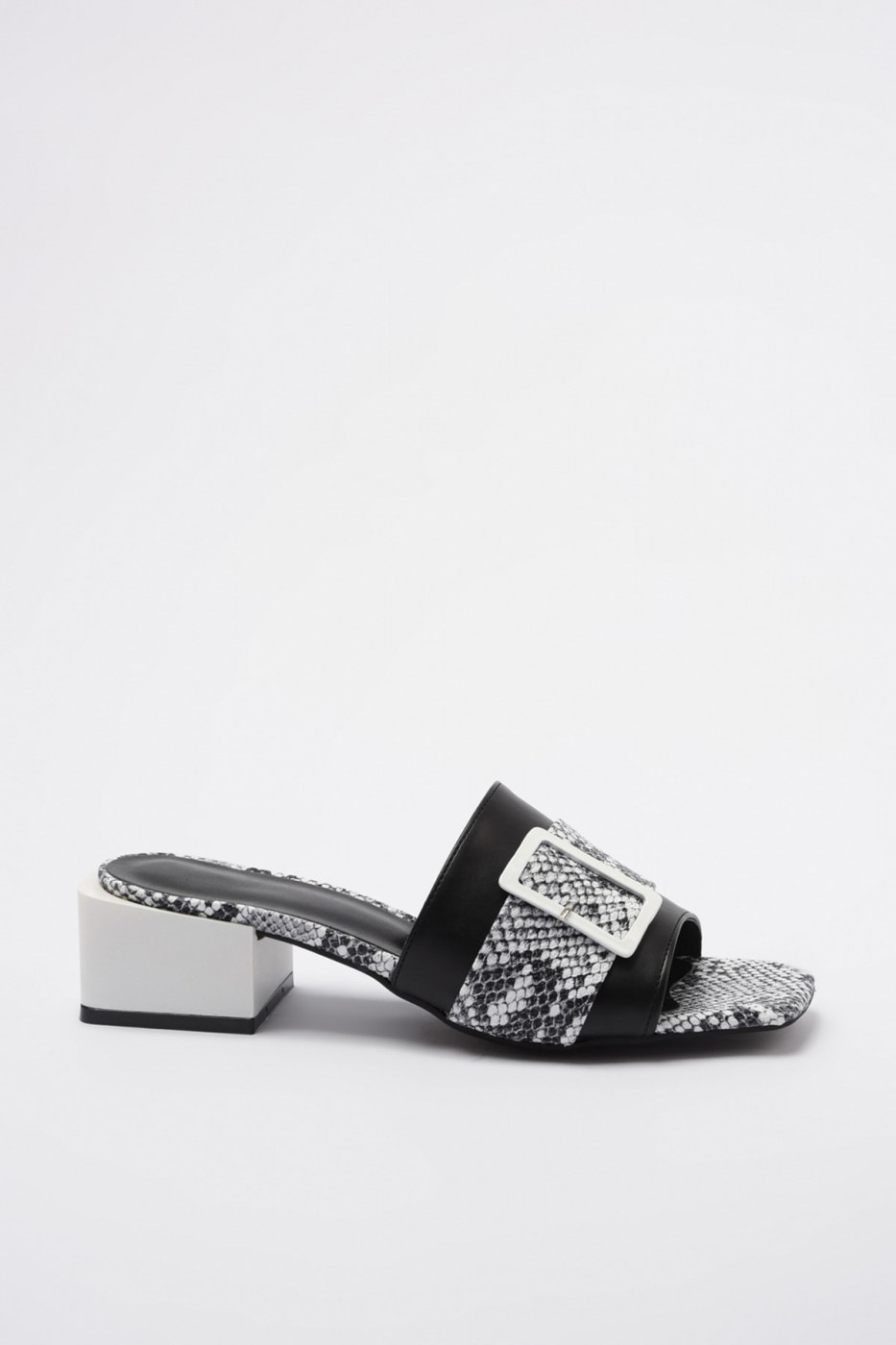 Women's slippers Trendyol Buckle detailed