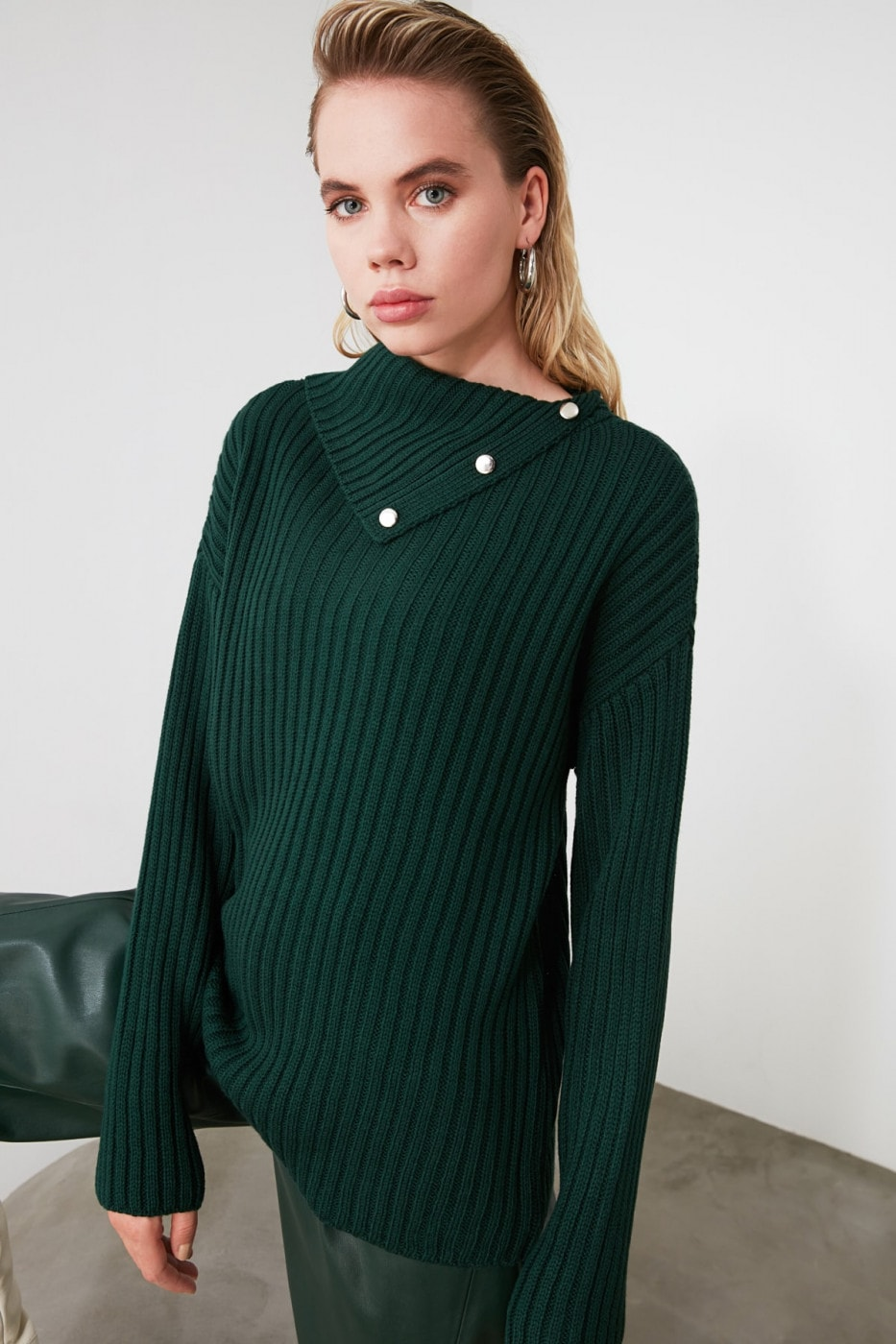 Trendyol Emerald Green Wipe Collar Knit Sweater