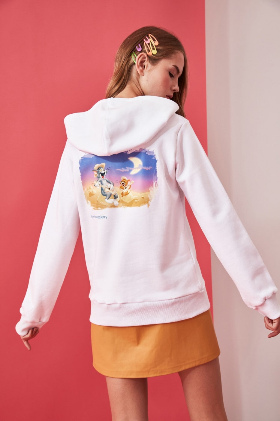 Trendyol White Tom & Jerry Licensed Back Printed Basic Hooded Knitted Sweatshirt