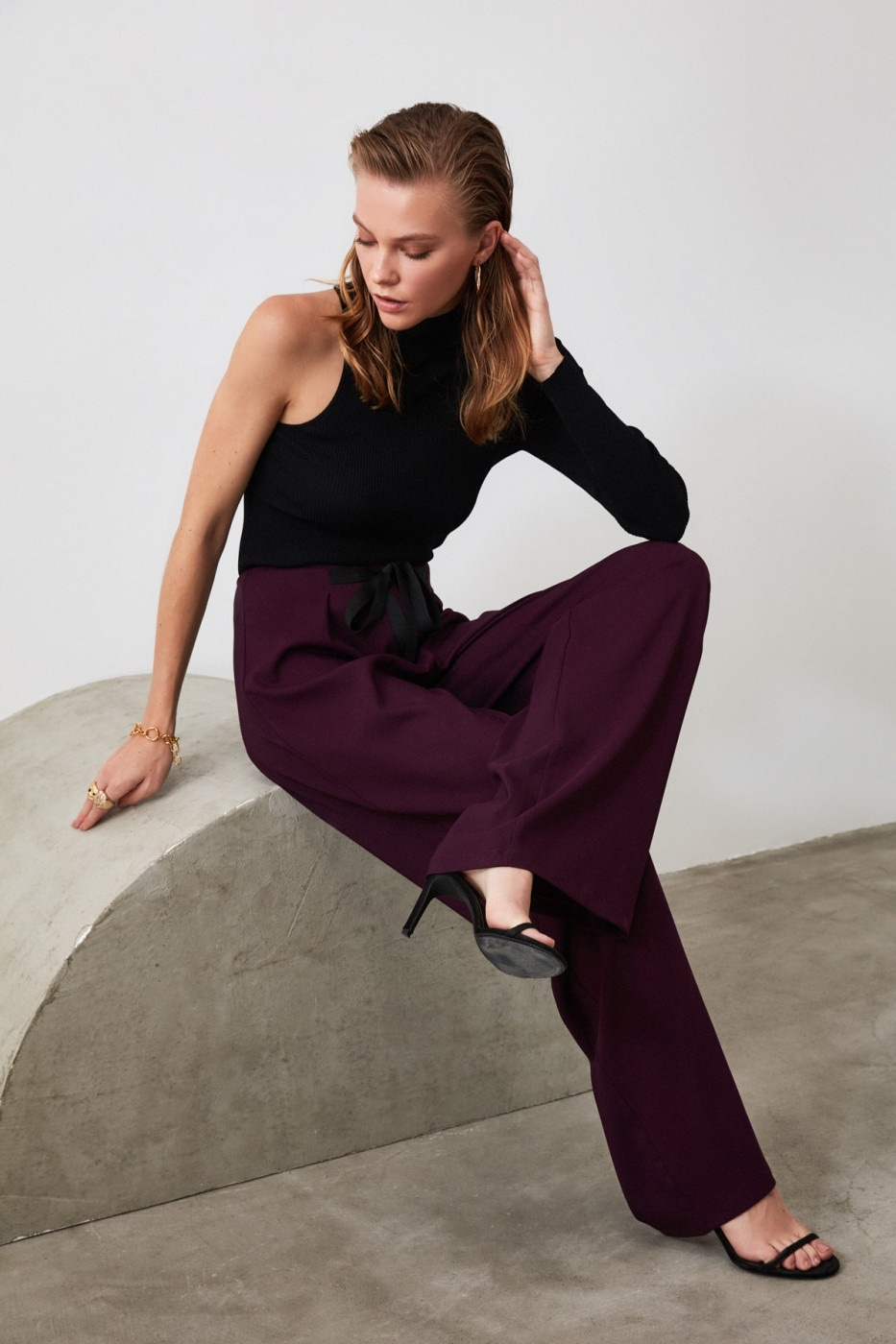 Trendyol Burgundy Binding Trousers