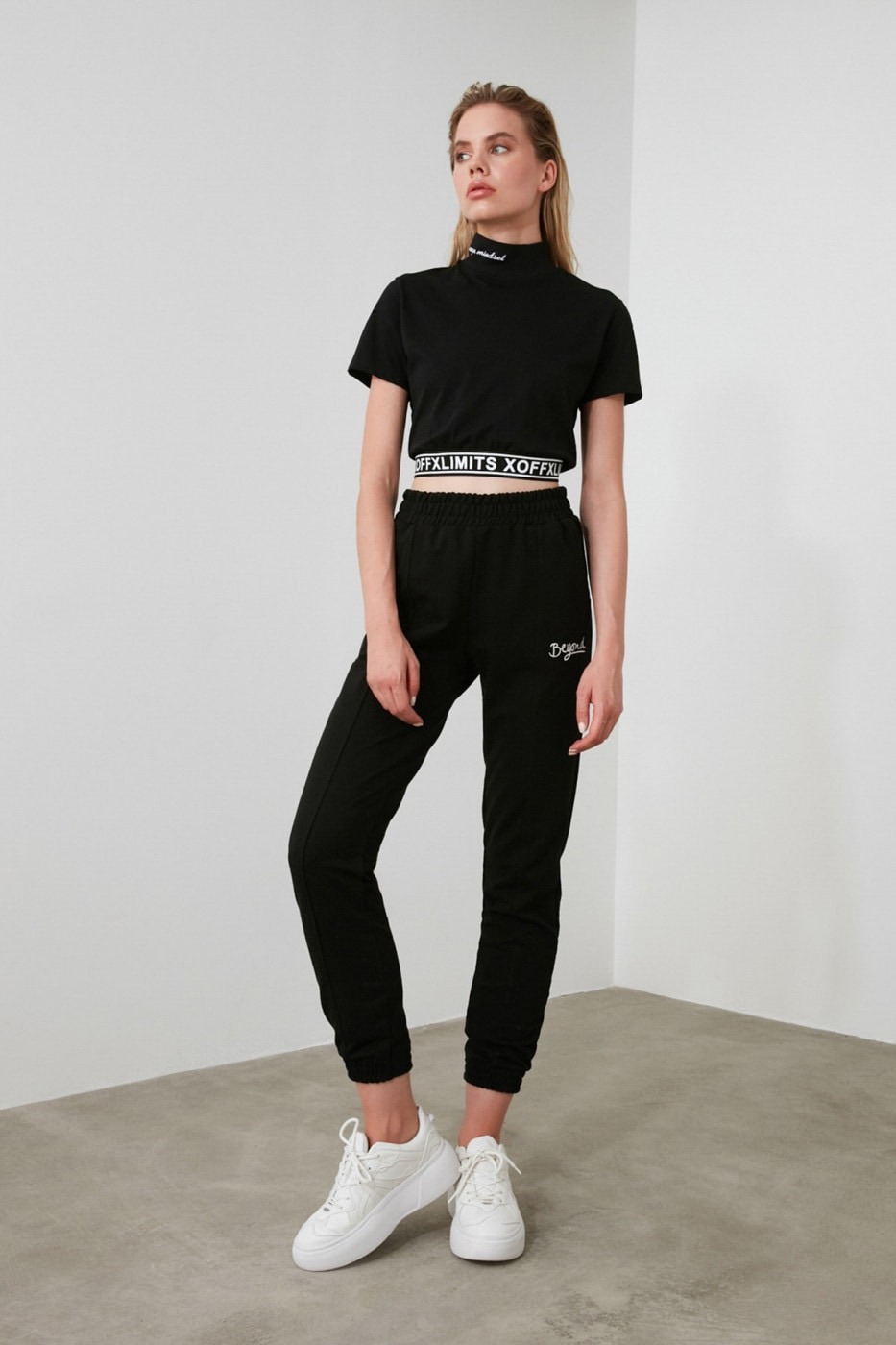 Trendyol Black Embroidered Knitted Tracksuit bottom