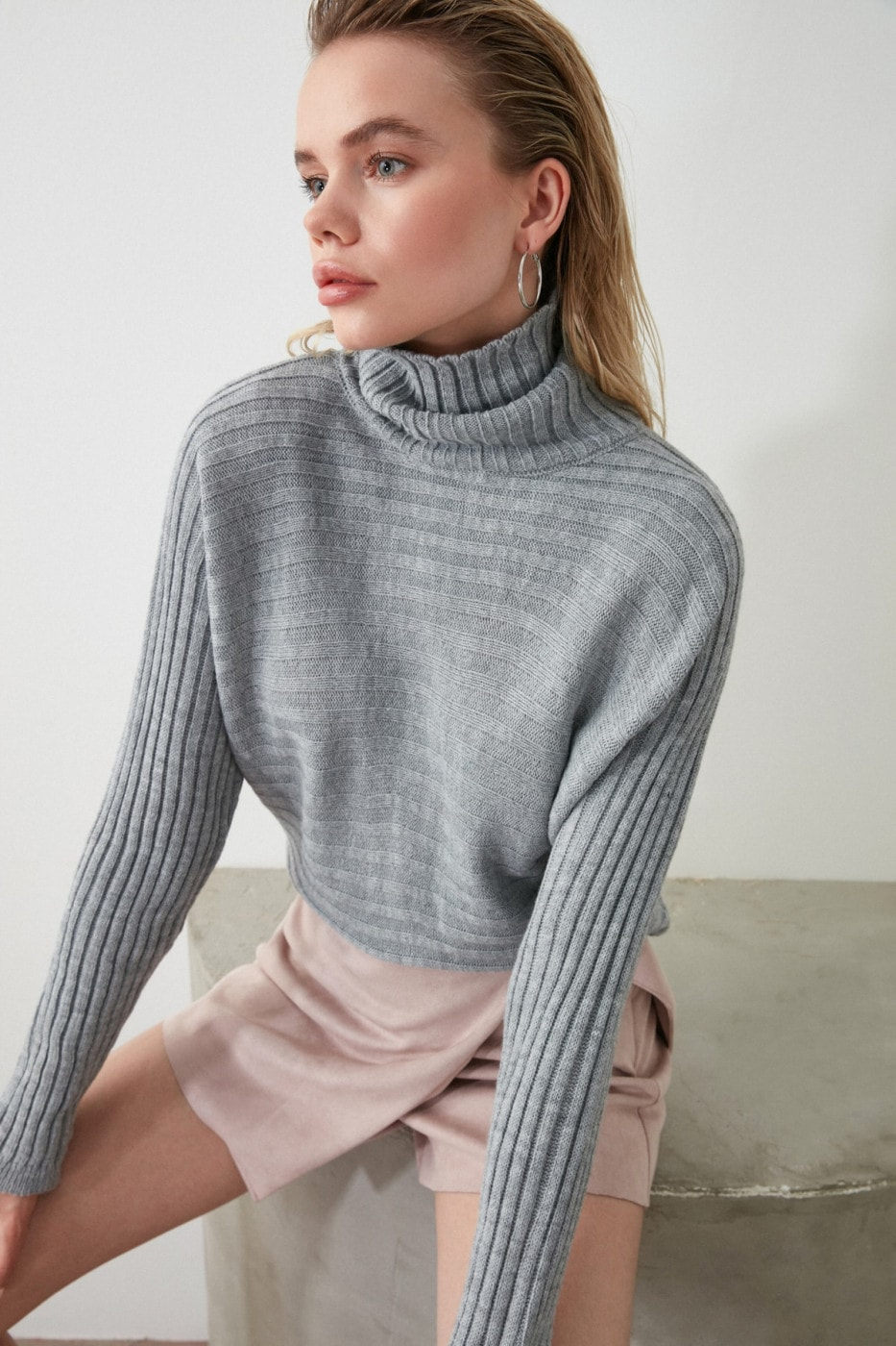 Trendyol Gray Throat KnitSweater
