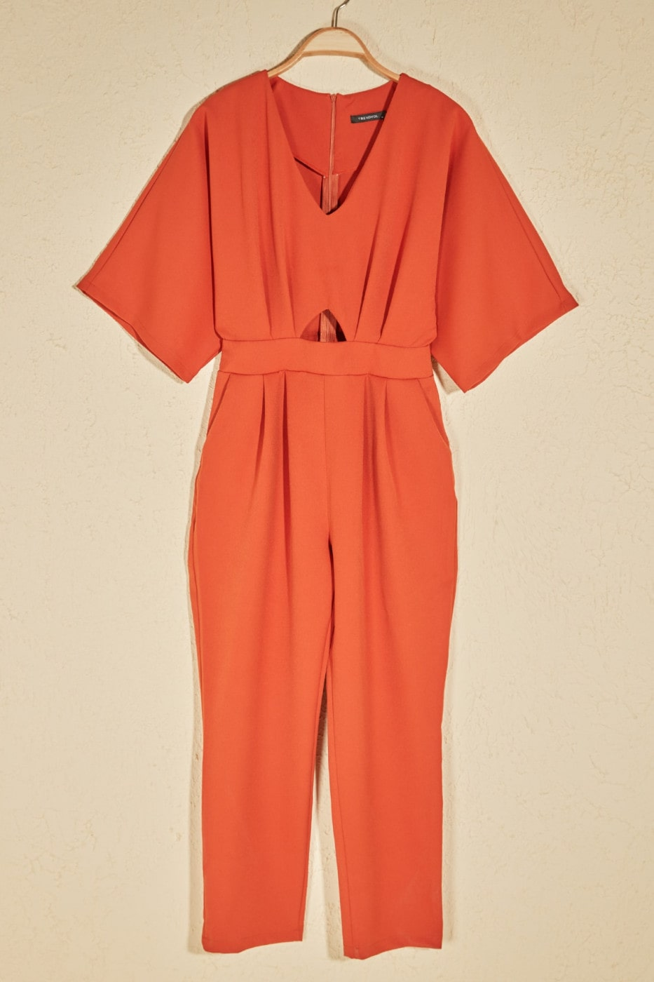 Trendyol Tdared Cut Out Detailed Jumpsuit