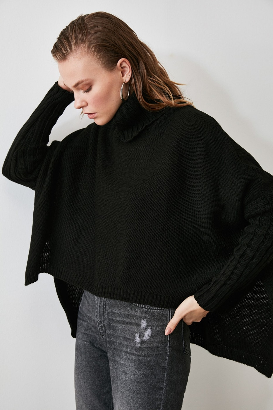 Trendyol Black Asymmetric Knit Sweater