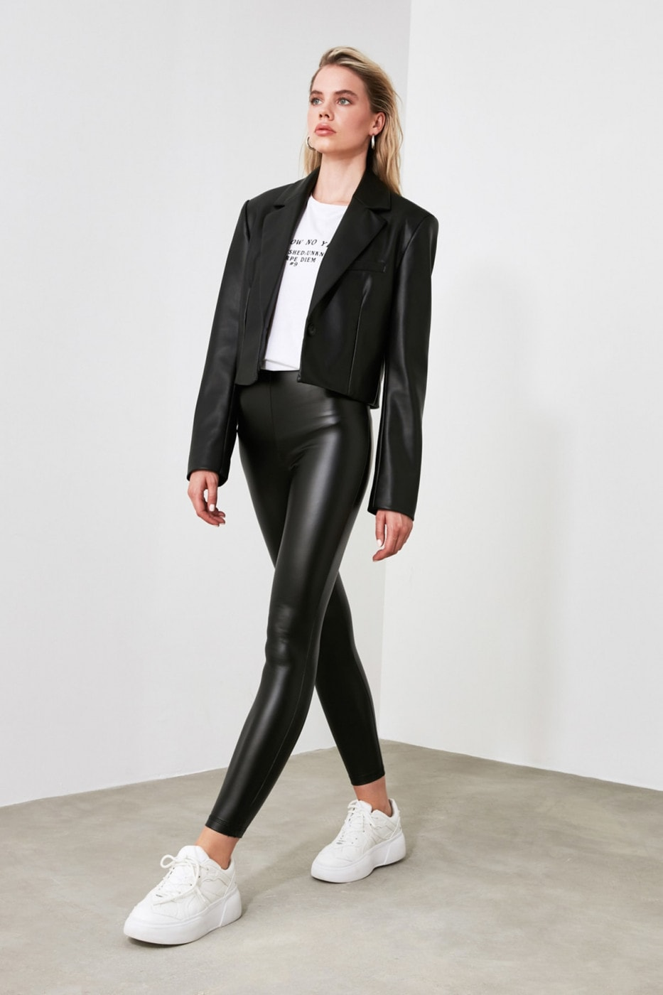 Trendyol Black Leather-Looking Charitred Knitted Leggings