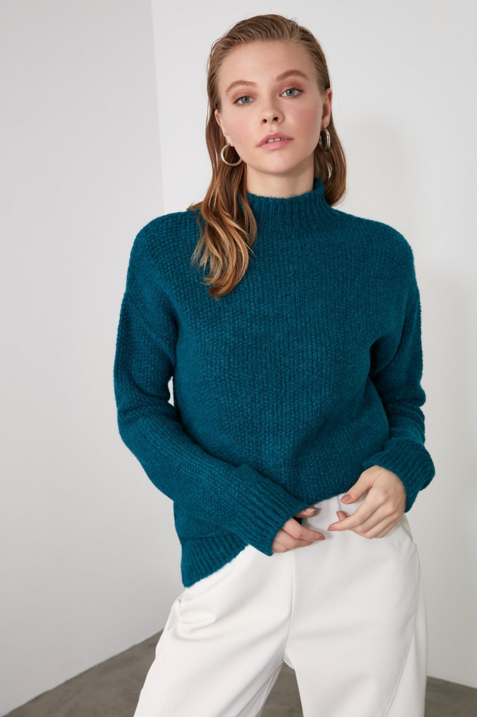 Trendyol Oil Turtleneck Knit Sweater