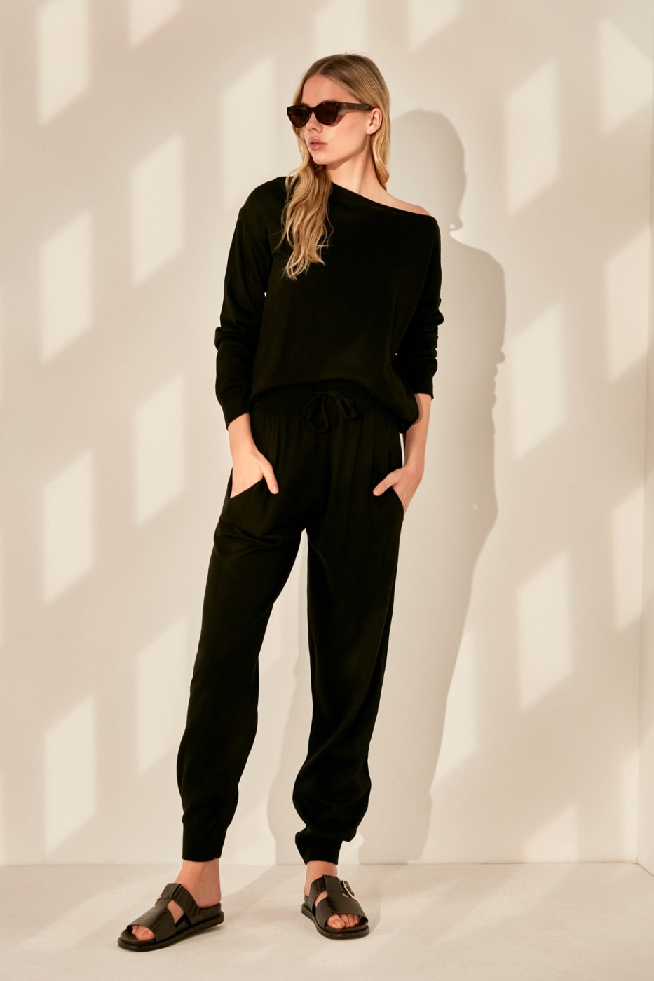 Trendyol Black Sweater Pants Knitwear Bottom-Top Suit