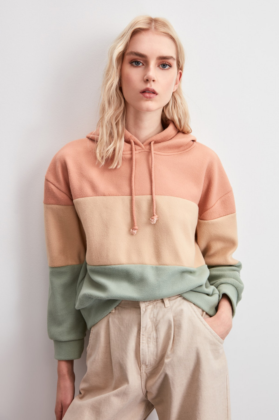 Trendyol Knitted Sweatshirt with Powder Color Block Anthrax