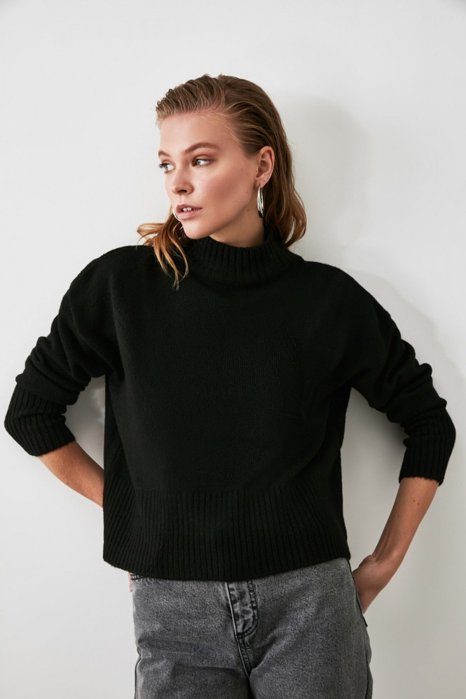 Trendyol Black Upright Collar Basic Knitwear Sweater