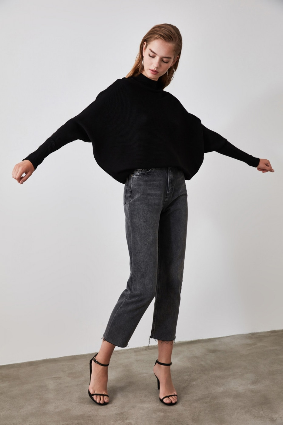 Trendyol Black Bat Sleeve Knit Sweater