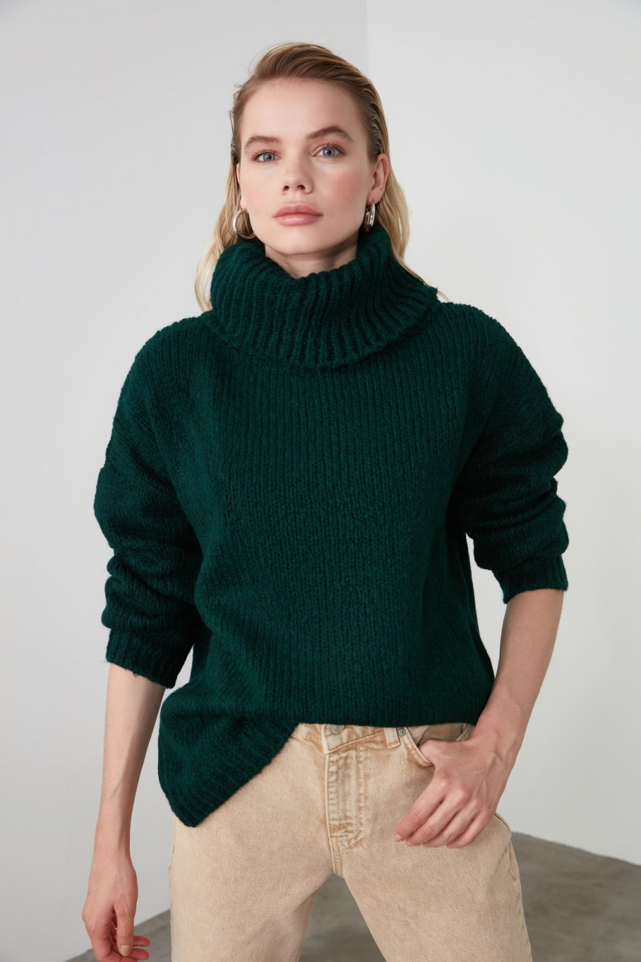 Trendyol Emerald Green Turtleneck Knit Sweater