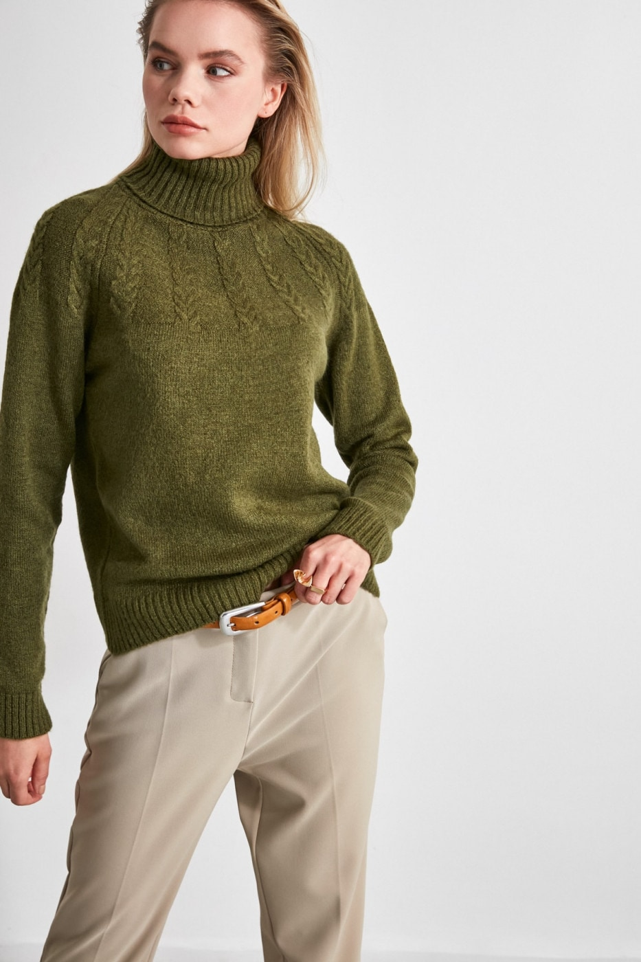 Trendyol Khaki Knitting Detailed Knitwear Sweater