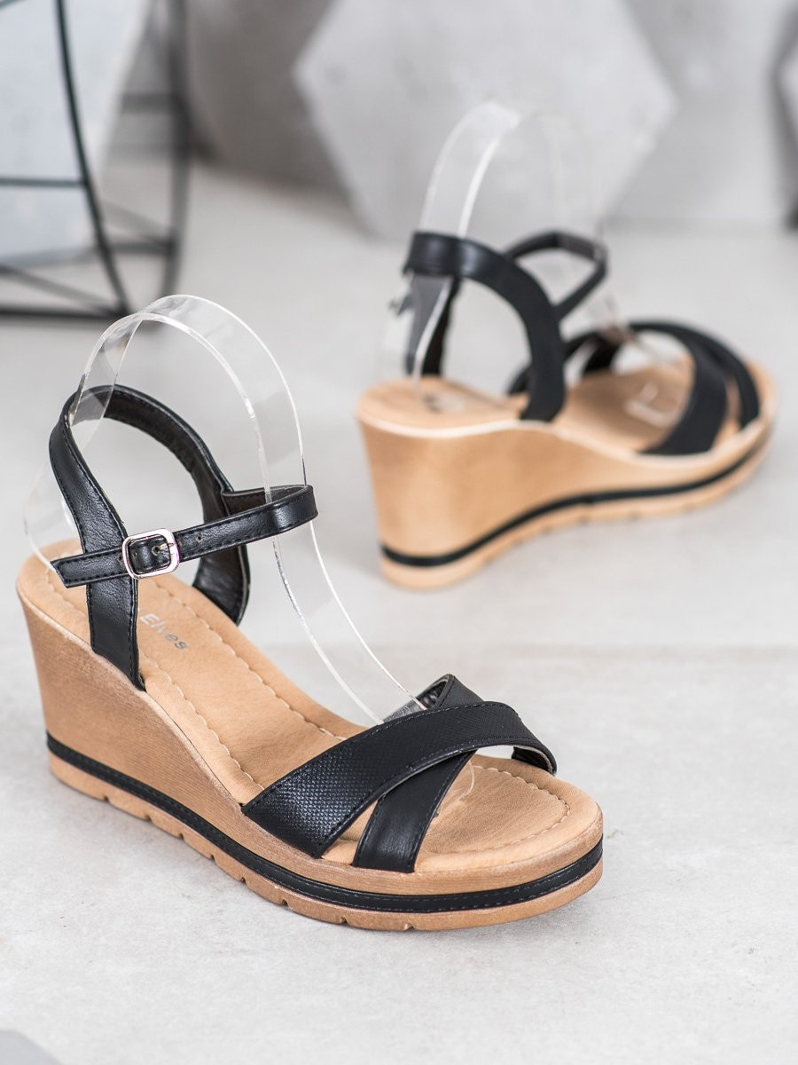 SEA ELVES SANDALS OF ECO LEATHER ON THE COUD