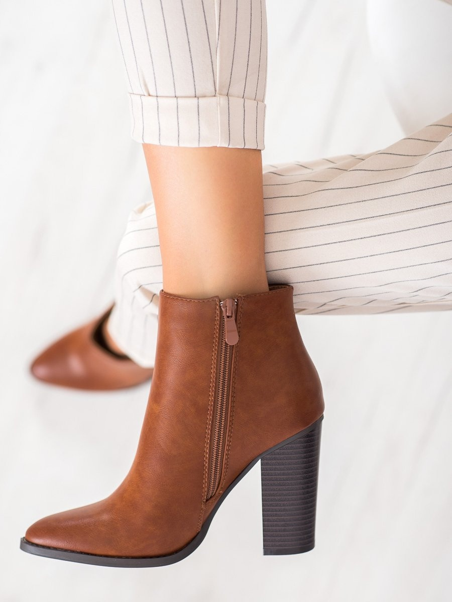 SEASTAR CLASSIC BOOTIES ON THE POST