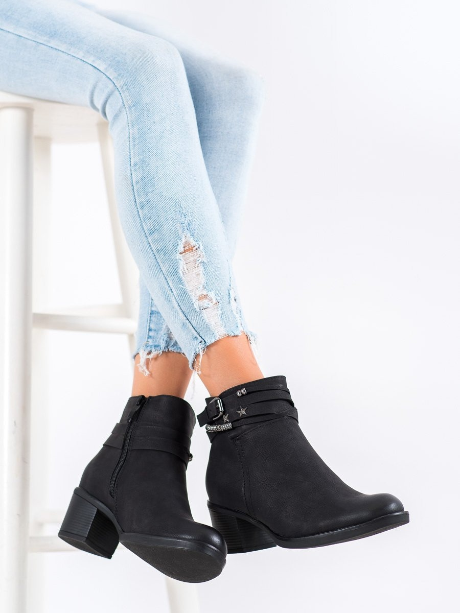 GOODIN BLACK BOOTIES WITH ORNAMENTS