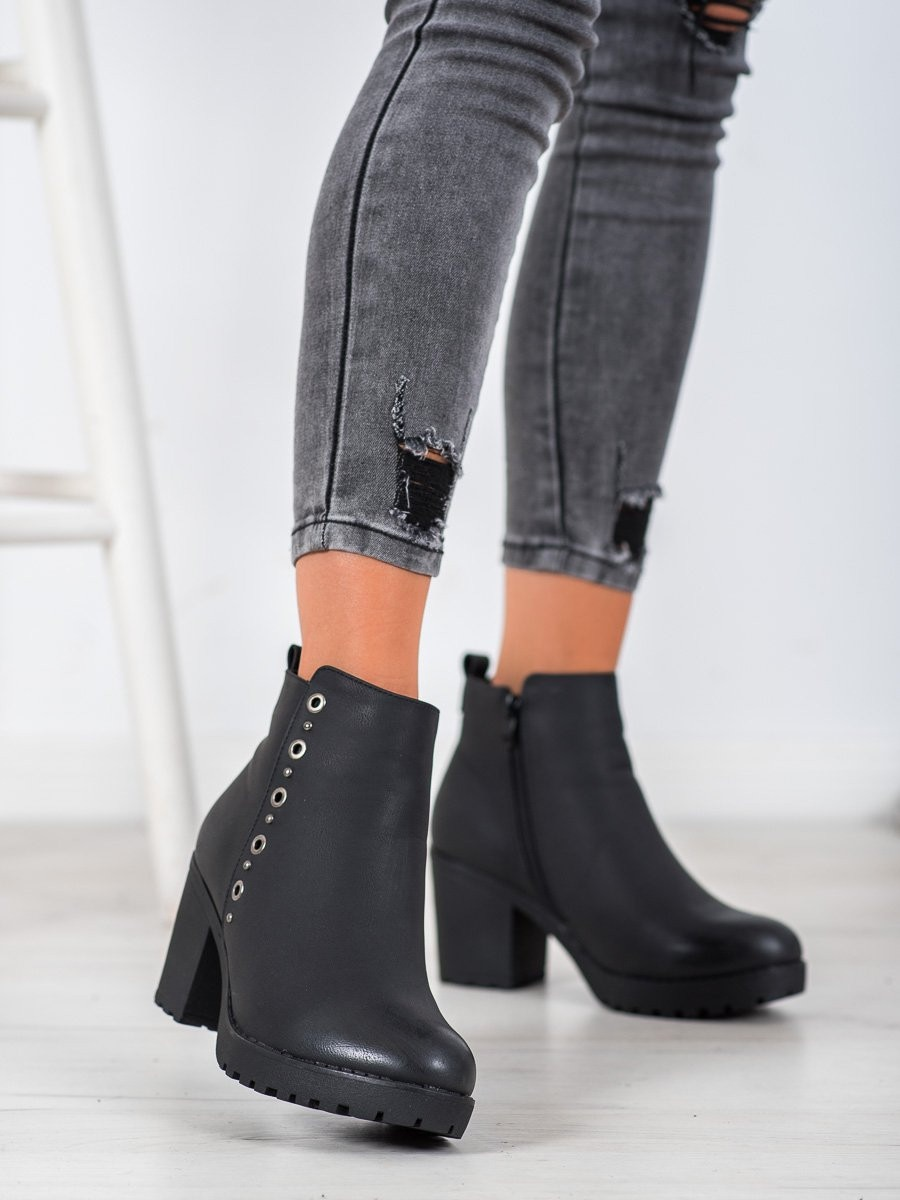 J. STAR BLACK ANKLE BOOTS WITH DECORATION