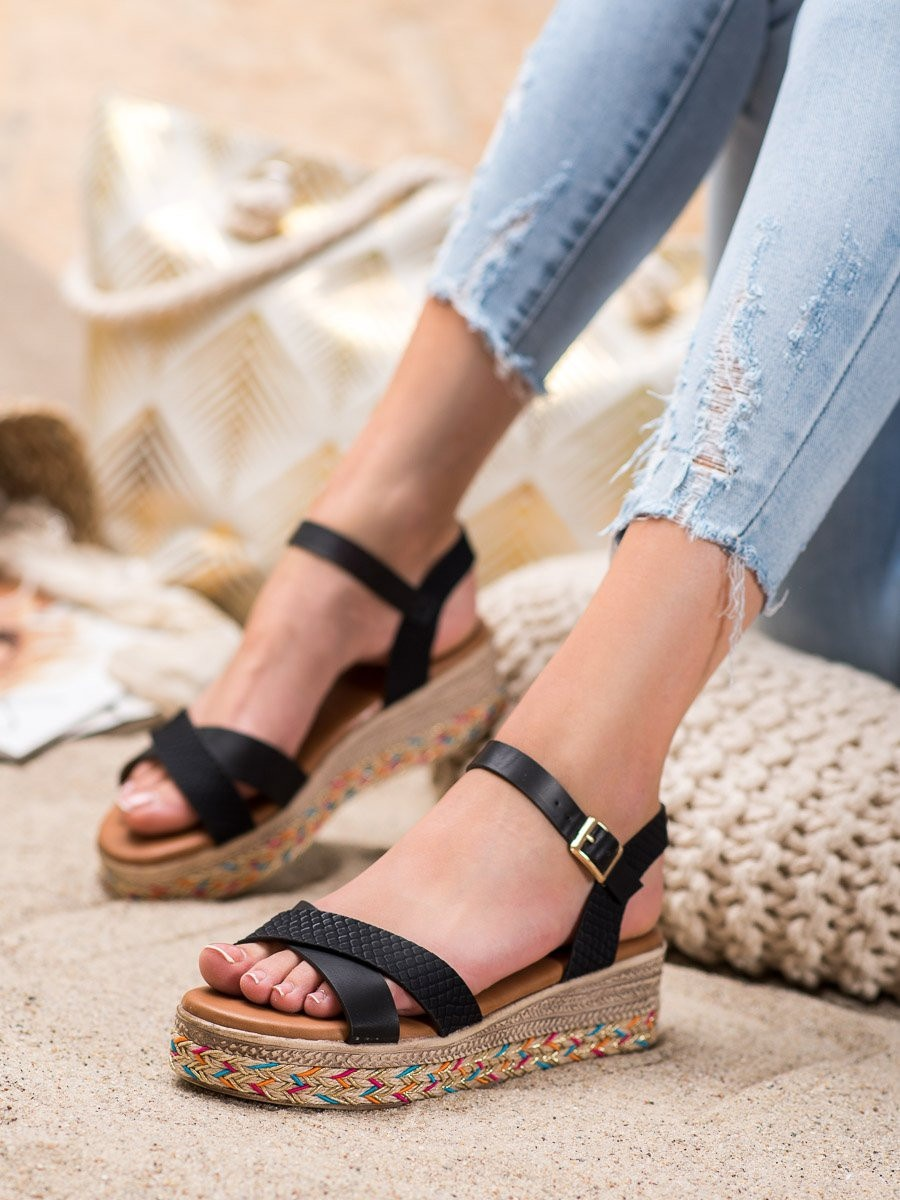 SMALL SWAN FASHIONABLE ECO LEATHER SANDALS